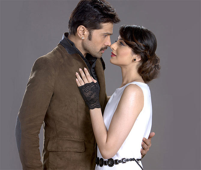 Himesh Reshammiya and Zoya Afroz in The Xpose