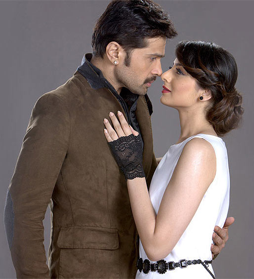 Himesh Reshammiya and Zoya Afroz in The Expose