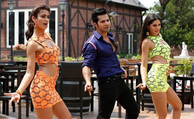 Ilena D'Cruz, Varun Dhawan and Nargis Fakhri in Main Tera Hero
