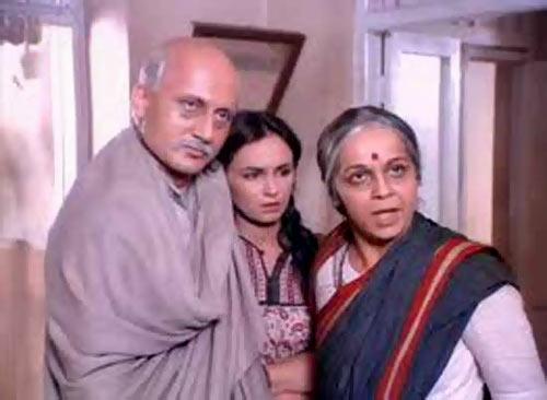Anupam Kher, Soni Razdan and Rohini Hattangadi in Saaransh