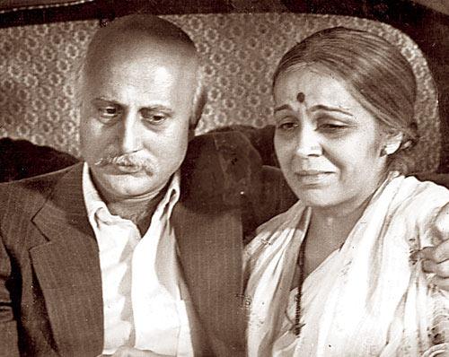 Anupam Kher and Rohini Hattangadi in Saaransh