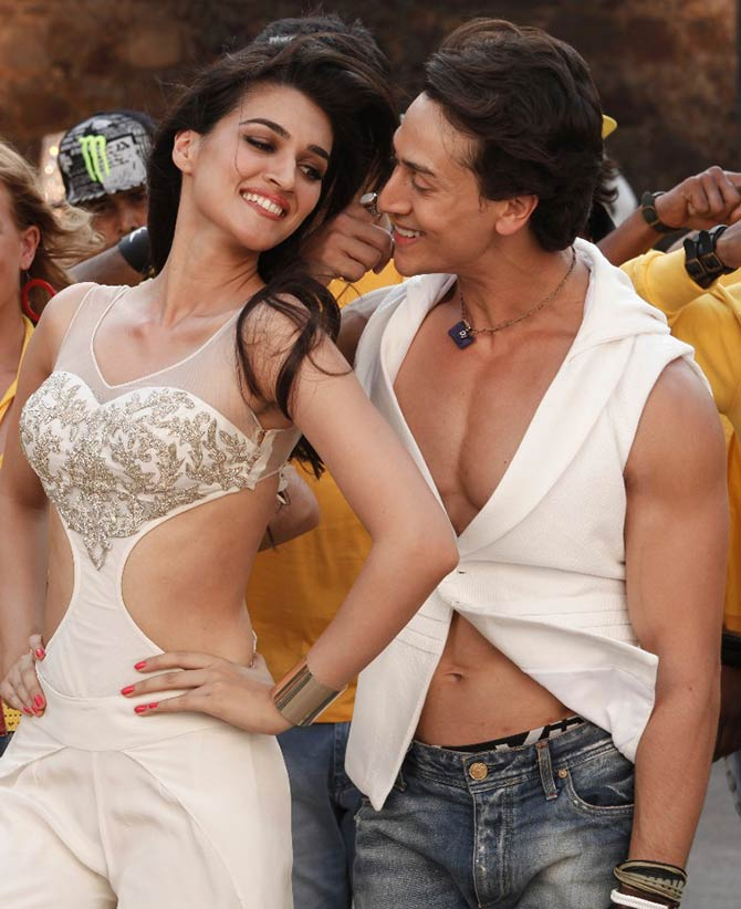 Kriti Sanon with Toger Shroff in Heropanti