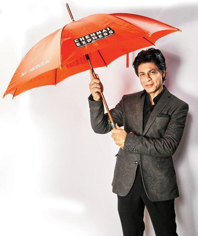 Shah Rukh Khan in a print ad