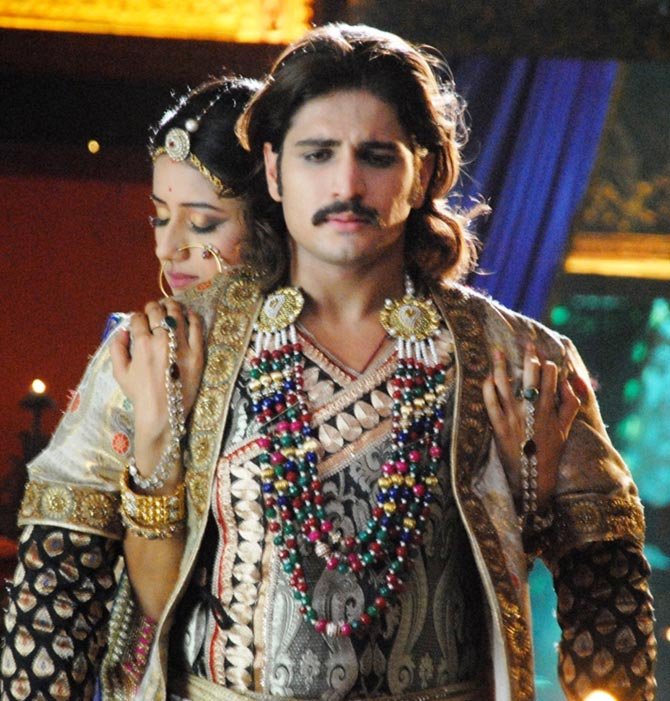 Paridhi Sharma and Rajat Tokas in Jodha Akbar
