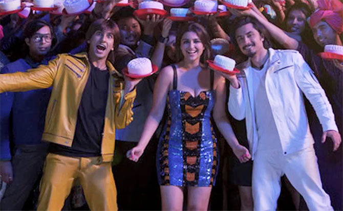 Ranveer Singh, Parineeti Chopra and Ali Zafar in Kill Dil