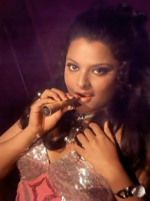 Rekha in Hawas