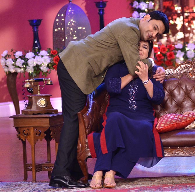 Kapil Sharma hugs Farah Khan