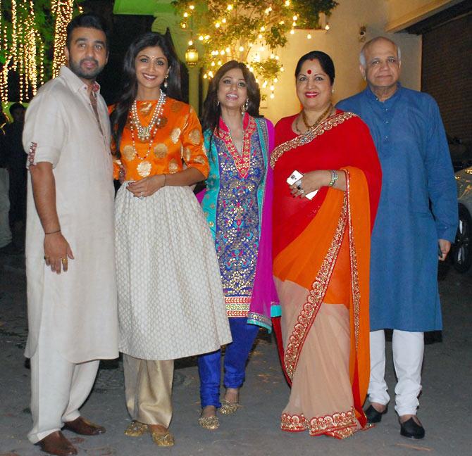 Sareetimes Shilpa shetty diwali party pictures