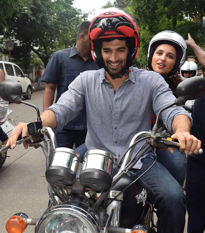 Current Bollywood News & Movies - Indian Movie Reviews, Hindi Music & Gossip - PIX: Parineeti, Aditya set off on a road trip