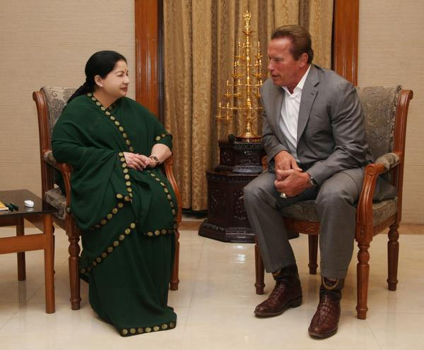 Current Bollywood News & Movies - Indian Movie Reviews, Hindi Music & Gossip - PIX: Arnold Schwarznegger arrives in India