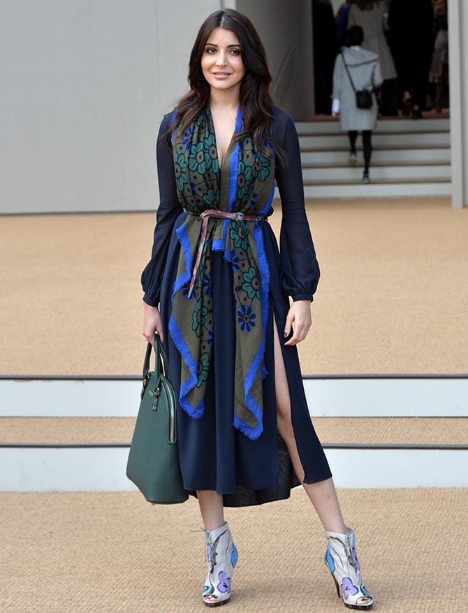 Current Bollywood News & Movies - Indian Movie Reviews, Hindi Music & Gossip - PIX: Anushka Sharma goes SUPER GLAM at London Fashion Week