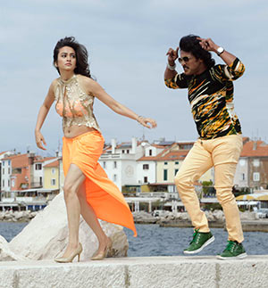 Current Bollywood News & Movies - Indian Movie Reviews, Hindi Music & Gossip - Upendra's Super Ranga releases today