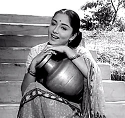 Current Bollywood News & Movies - Indian Movie Reviews, Hindi Music & Gossip - Classic Revisited: Bimal Roy's satirical gem, Parakh