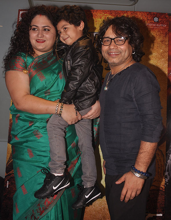 Kailash Kher with wife Sheetal and son Kabir
