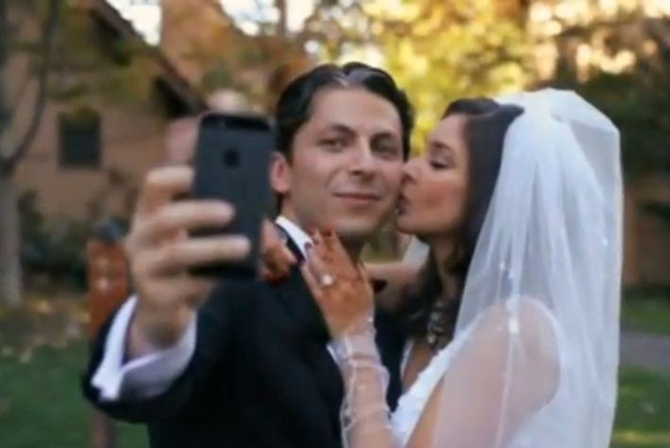 Here S Her Husband Jason Dehni Clicking A Selfie With His New Bride Right After They Got Married