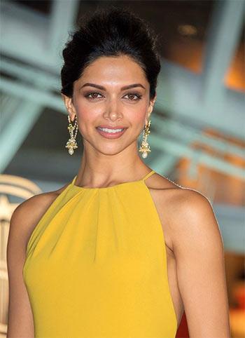 Bollywood star Nude Photos 23