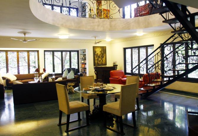 Pix peeking inside twinkle sonam alia 39 s gorgeous homes for Interior designs by twinkle khanna