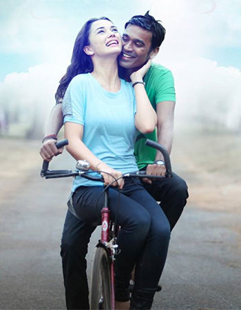 Dhanush and Amy Jackson in Thanga Magan