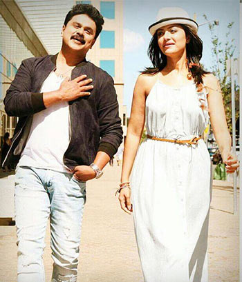 Dileep and Mamta Mohandas in 2 Countries