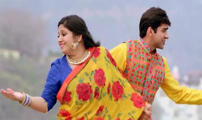 Ayushman Khurana and Bhumi Pednekar in Dyum Lagake Haisha.