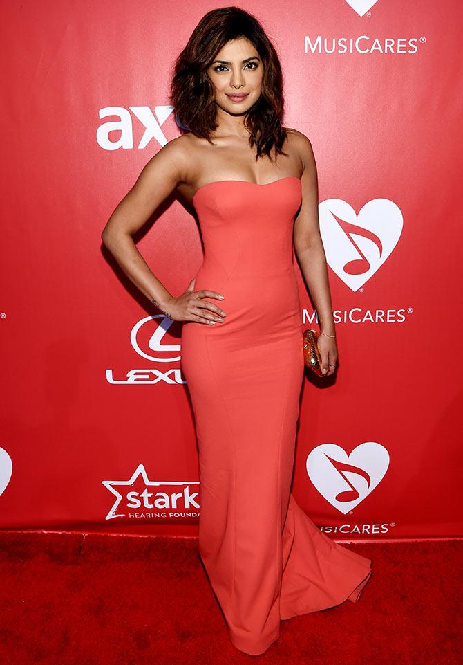 Priyanka Chopras SEXIEST Appearance In Hollywood VOTE