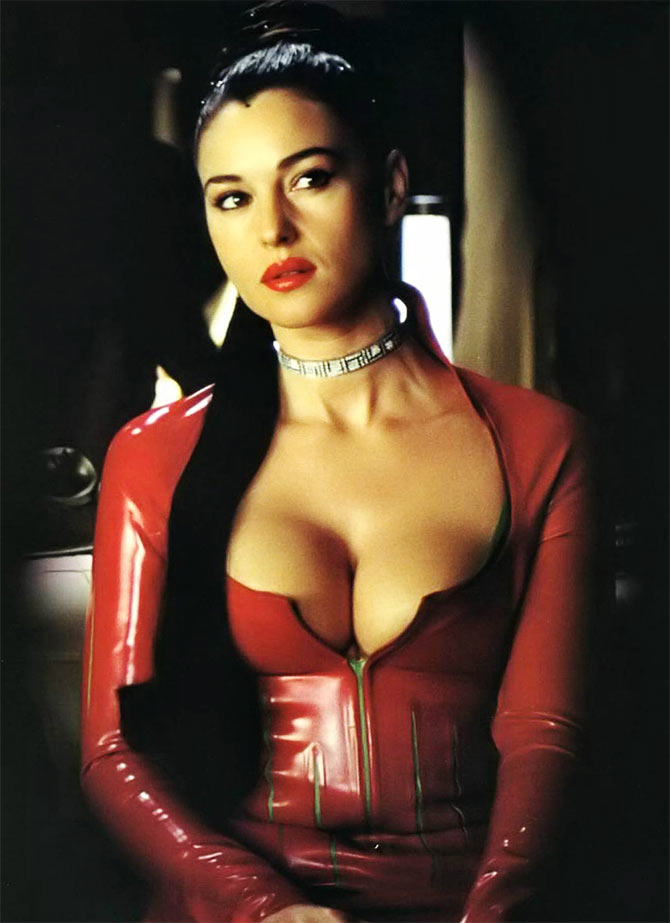 Monica Bellucci Sexy Movies 101