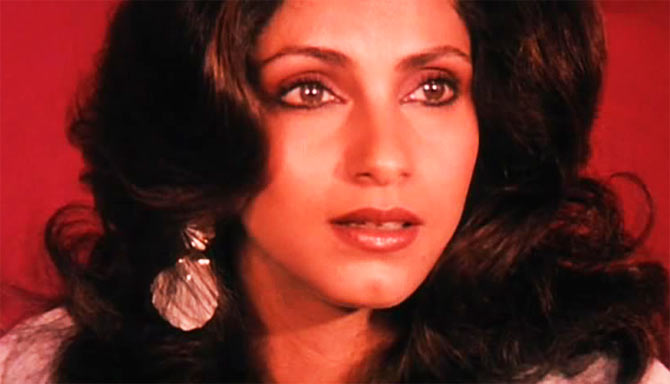 Image Dimple Kapadia in Sagar  Saagar Dimple