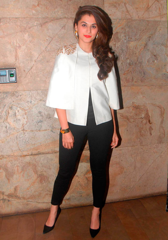 Current Bollywood News & Movies - Indian Movie Reviews, Hindi Music & Gossip - PIX: Taapsee, Sonakshi, LK Advani watch Baby