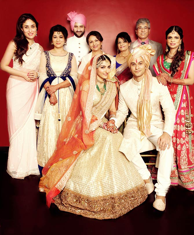 Kareena Kapoor, Saif Ali Khan, Jyoti Khemu, Ravi Khemu, Saba Ali Khan, Soha Ali Khan, Kunal Khemu