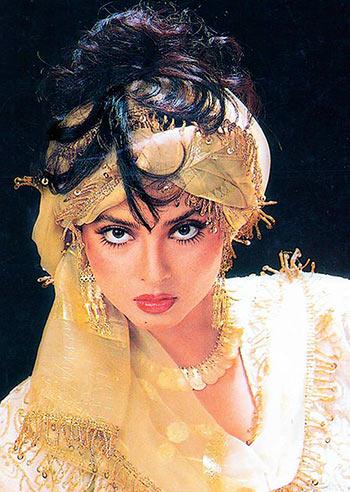 Current Bollywood News & Movies - Indian Movie Reviews, Hindi Music & Gossip - Quiz: Name Rekha's husband in Khoon Bhari Maang