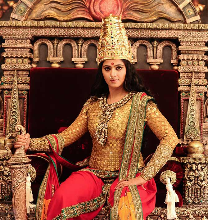 Current Bollywood News & Movies - Indian Movie Reviews, Hindi Music & Gossip - Baahubali actress Anushka Shetty will now play a Queen!
