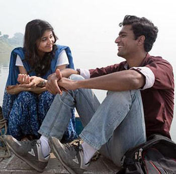 Vicky Kaushal and Shweta Tripathi in Masaan
