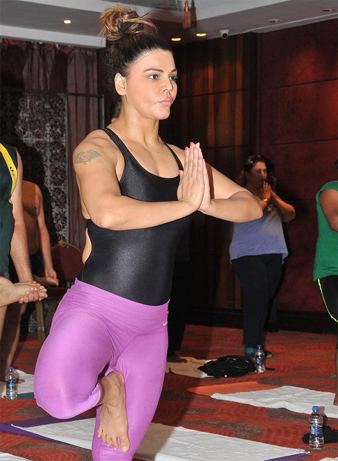 PIX Rakhi Sawant Shilpa Shetty Celebrate Yoga Day