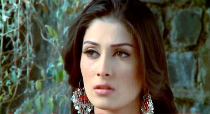 Ayeza Khan in Khwahishein