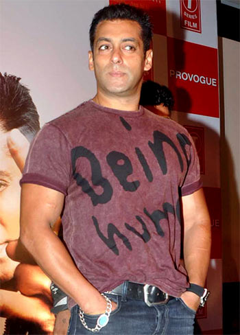 Current Bollywood News & Movies - Indian Movie Reviews, Hindi Music & Gossip - Over Rs 200 crore riding on Salman Khan