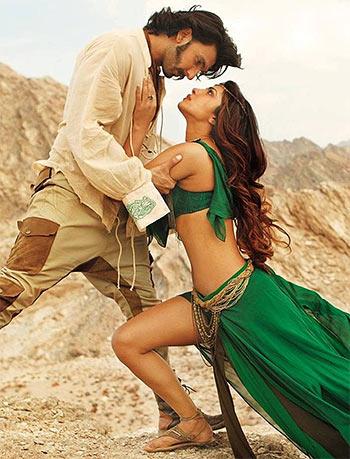 Current Bollywood News & Movies - Indian Movie Reviews, Hindi Music & Gossip - PIX: Kabhi sweethearts kabhi siblings!