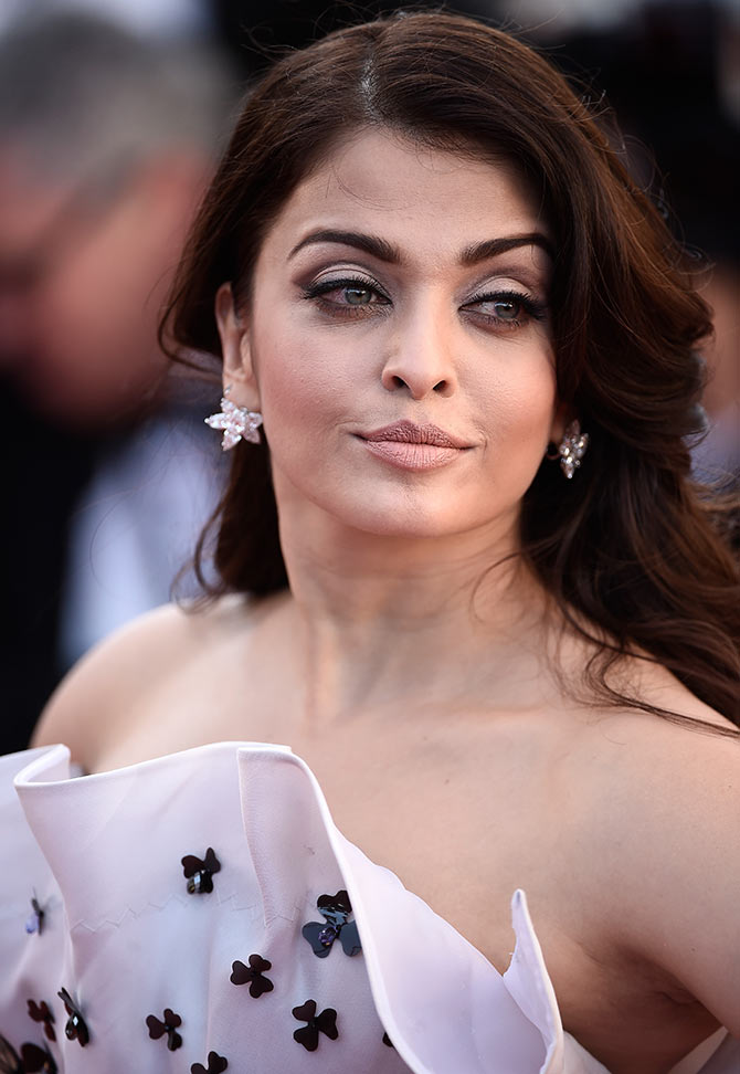 Cannes 2015: Aishwarya's most dramatic gown yet? - Rediff.com Movies