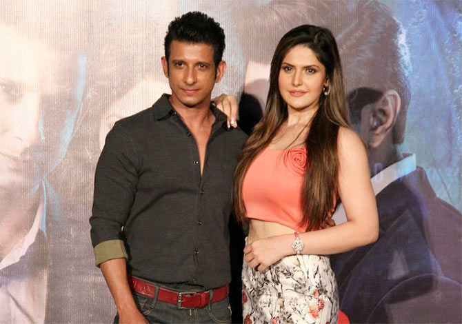 zarine khan sharman joshi - photo #7