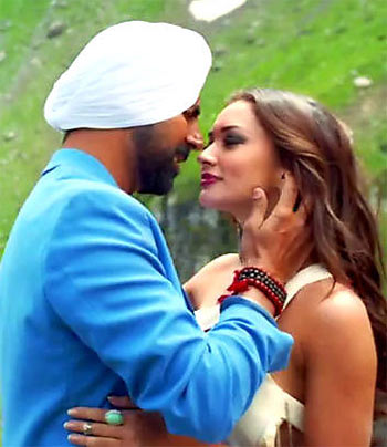 Current Bollywood News & Movies - Indian Movie Reviews, Hindi Music & Gossip - Review: S