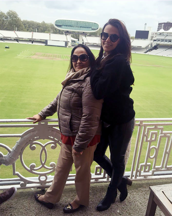 Neha Dhupia with her mother