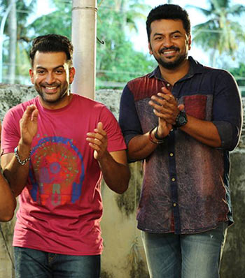Pritviraj and Indrajith in Amar Akbar Anthony