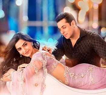 Sonam Kapoor and Salman Khan in Prem Ratan Dhan Payo