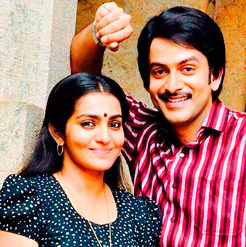 Prithviraj and Parvathy in Ennu Ninte Moideen