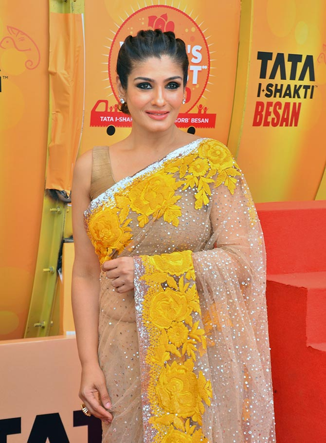 raveena tandon familyraveena tandon sonali bendre, raveena tandon dance, raveena tandon family, raveena tandon movie in 2012, raveena tandon vk, raveena tandon date of birth, raveena tandon then and now, raveena tandon filmography, raveena tandon wikipedia, raveena tandon family pic, raveena tandon husband, raveena tandon biography, raveena tandon shahrukh khan song, raveena tandon anil thadani, raveena tandon husband name, raveena tandon mp3, raveena tandon mother