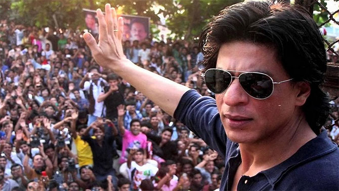 Shah Rukh Khan Fan 2016 Wallpapers: The Celebrity As A Padrone