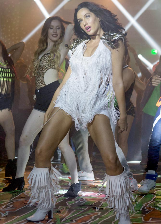 Nora fatehi rock tha party full song - 5 5