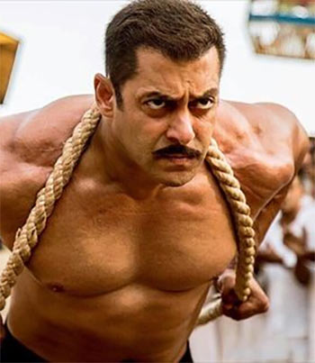 Current Bollywood News & Movies - Indian Movie Reviews, Hindi Music & Gossip - Sultan, PK: TOP biggest grossers ever