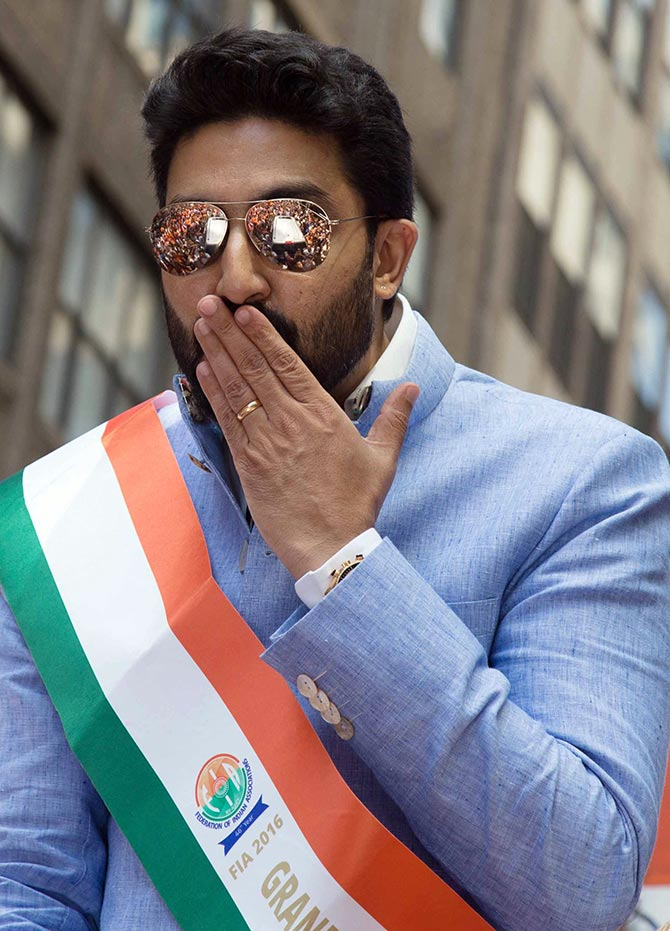 Current Bollywood News & Movies - Indian Movie Reviews, Hindi Music & Gossip - PIX: Abhishek, Vikram celebrate India in New York
