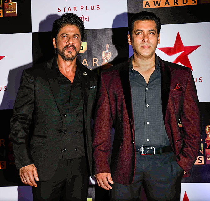 Peachy Pix Shah Rukh Salman Rock The Screen Awards Rediff Com Movies Short Hairstyles For Black Women Fulllsitofus