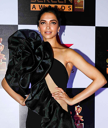 Current Bollywood News & Movies - Indian Movie Reviews, Hindi Music & Gossip - Screen Awards: Deepika, Bipasha, Alia: Gorgeous gals on the red carpet
